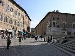 Urbino Piazza Rinascimento