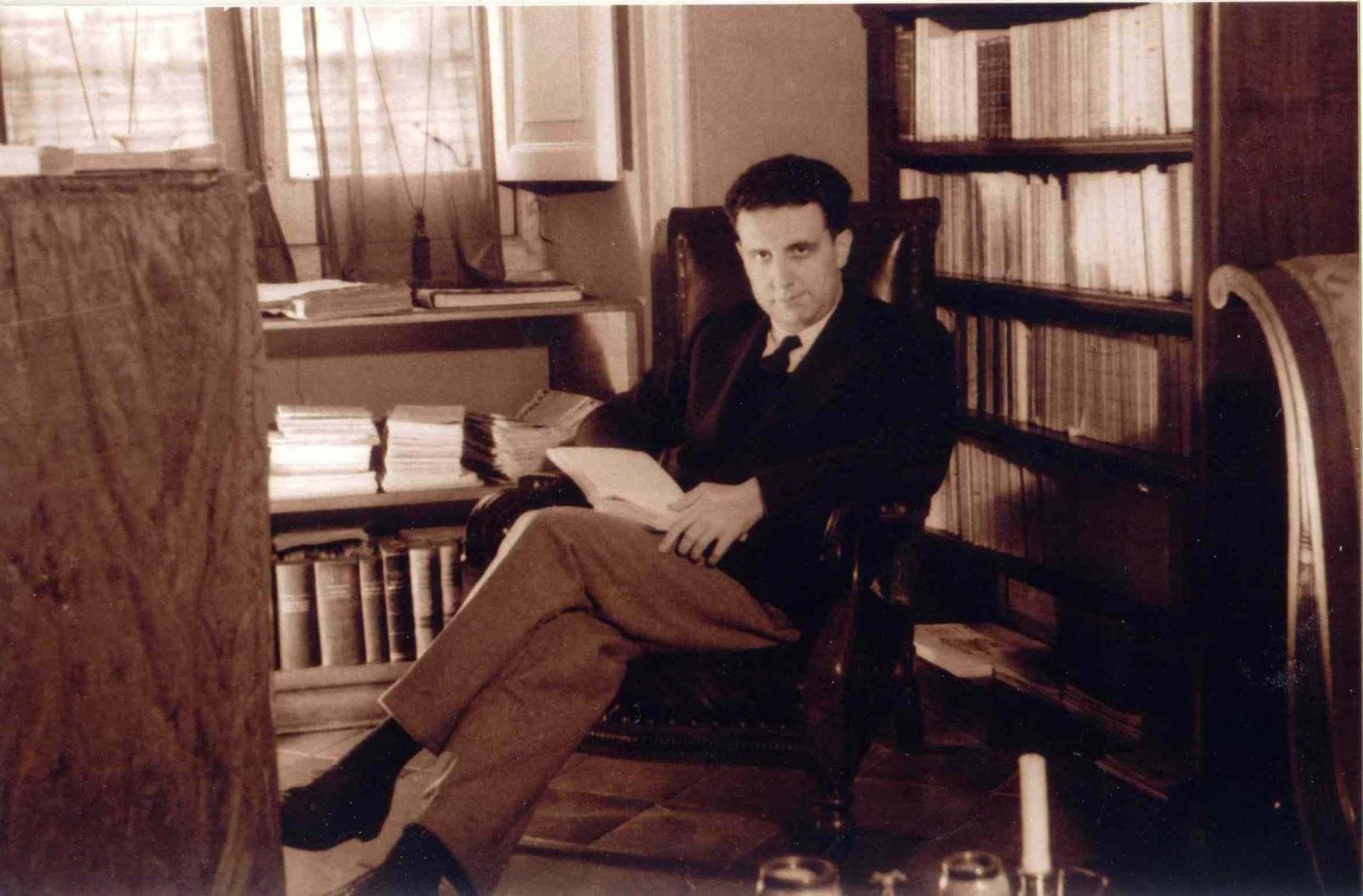 1a Carlo Bo giovane nello studio