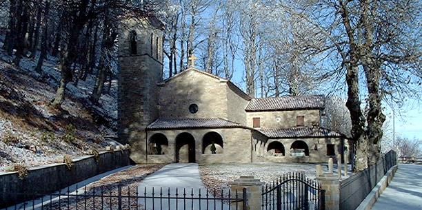 Carpegna-Santuario-Vergine-del-faggio.jpg